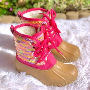 NEW**KIDS SEQUIN LACE UP DUCK BOOTS